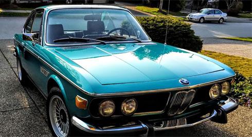 """Hàng độc BMW cổ màu """"lạ"""" đang được bán đấu giá"""