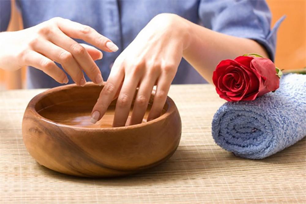 Phải làm gì khi thấy móng tay quá giòn, mỏng và dễ gãy?-1
