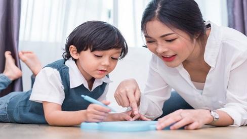 Cách dạy con kỹ năng sống theo độ tuổi: Con sớm tự lập, bố mẹ nhàn tênh