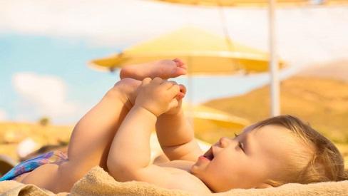 Không phải tắm nắng mỗi ngày, đây mới là cách bổ sung vitamin D hiệu quả cho bé