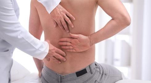Những biến chứng thoát vị đĩa đệm và các bệnh về khớp khác bạn không ngờ tới