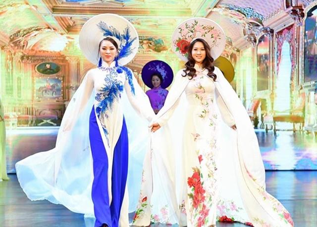 Cộng đồng nữ doanh nhân đằm thắm, rạng ngời với Áo dài Hương Queen-7