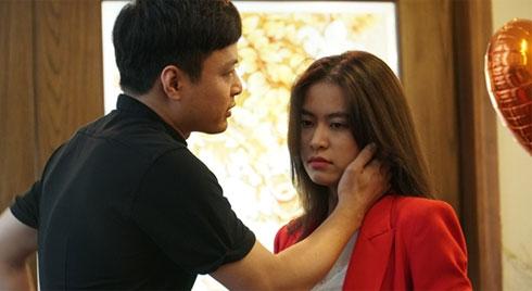 12 năm sau 'Nhật ký Vàng Anh', Hoàng Thùy Linh lúng túng đóng cảnh tình tứ với Hồng Đăng