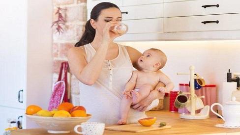 """Chẳng cần """"chân giò, tổ yến"""", sau sinh mẹ ăn 5 loại thực phẩm này là khỏe nhanh, sữa nhiều"""
