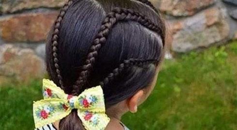 Những kiểu tóc đẹp cho bé gái mát mẻ ngày hè, mẹ chỉ mất 5 phút để thực hiện