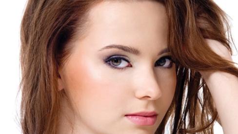 Làm sao để có mái tóc khỏe và đẹp tự nhiên, giữ gìn nét thanh xuân