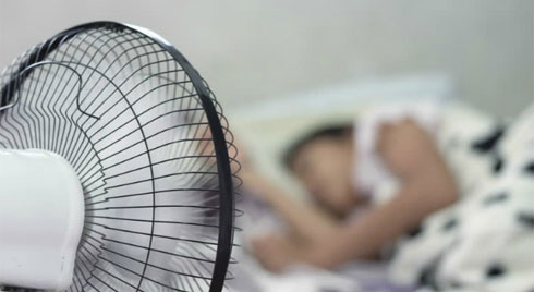 Những kiêng kỵ khi dùng quạt trong mùa nắng nóng kẻo rước họa vào người thậm chí đột tử