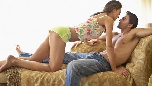 Chỉ tận nơi vùng tuyệt đỉnh của đàn ông khi làm 'chuyện ấy', khao khát được vợ 'chạm vào'