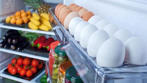 Chị em nào cũng để trứng cạnh tủ lạnh nhưng không hề hay biết hành động này cực nguy hiểm