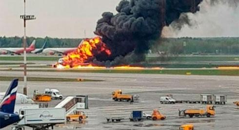 Máy bay Sukhoi cháy rừng rực