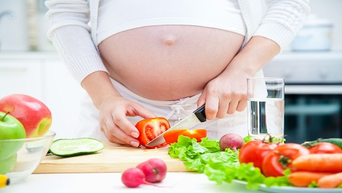 Mẹ ăn gì cho trẻ sơ sinh dễ ngủ và tăng cân đều
