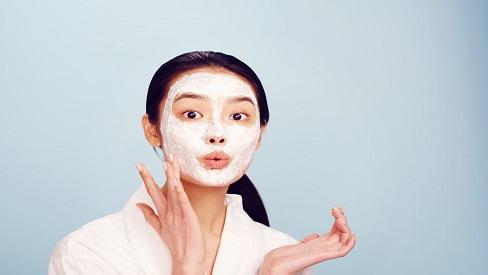 Một số thói quen khiến làn da của bạn nhanh chóng xuống cấp