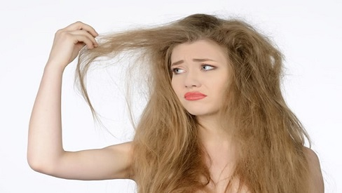 7 thói quen khiến tóc ngày càng xơ và chẻ ngọn, bạn có biết?