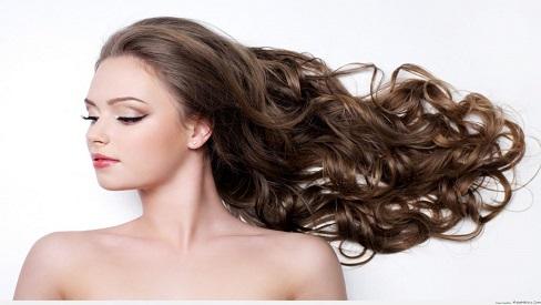 4 mẹo nhỏ giúp mái tóc không bị bết dính vào mùa hè