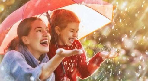 Bí quyết bảo vệ sức khỏe mùa mưa để tận hưởng ngày hè sôi động