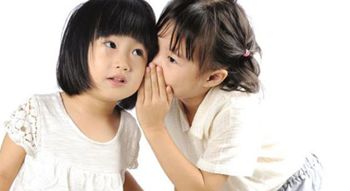 Chuyên gia gợi ý cha mẹ dựa vào những hành động này để nhận ra trẻ đang nói dối