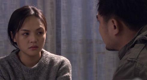 Tai nạn trên phim trường 'Về nhà đi con': Thu Quỳnh bị chồng đánh ghen nhưng người hứng đòn lại là... quay phim