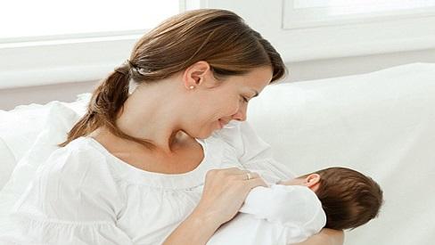 Chế độ dinh dưỡng của những người mẹ cho con bú