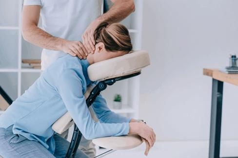 10 lợi ích không ngờ của massage tuina đối với sức khỏe