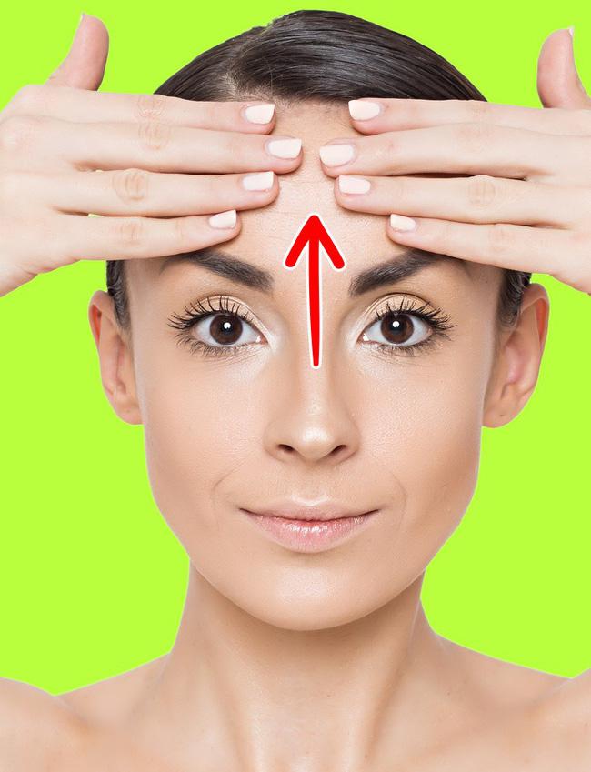 7 động tác massage cơ mặt giúp chị em trẻ ra 10 tuổi so với tuổi thật, ai cũng cần phải biết-2