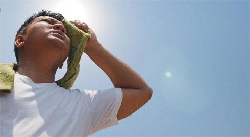 Nắng nóng lên đến 40 độ, học ngay 5 bài thuốc dân gian trị say nắng hiệu quả