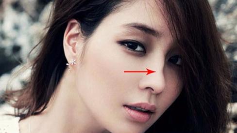5 nét mặt của người phụ nữ nham hiểm gian xảo, tài nịnh hót, kết thân chỉ mang họa