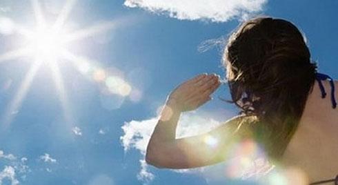 Nắng như chảo lửa: Bác sĩ chỉ ra những nghề dễ mắc ung thư da