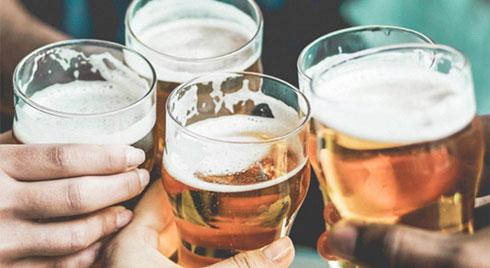 Tại sao bạn không nên uống nhiều bia khi nắng nóng trên 40 độ C?