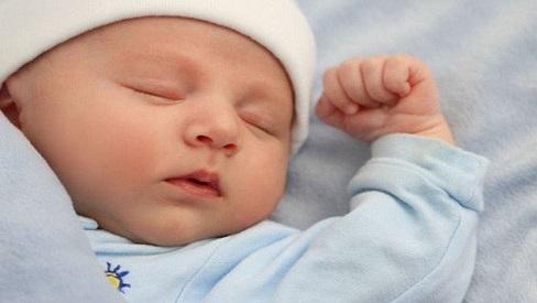 Cách dỗ trẻ sơ sinh ngủ nhanh và sâu giấc