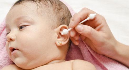 Sai lầm trong điều trị viêm tai giữa khiến bệnh tình của trẻ tăng nặng, mẹ thông thái nhớ đừng mắc phải