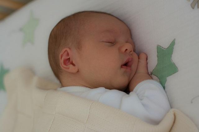 Cách dỗ trẻ sơ sinh ngủ nhanh và sâu giấc-3