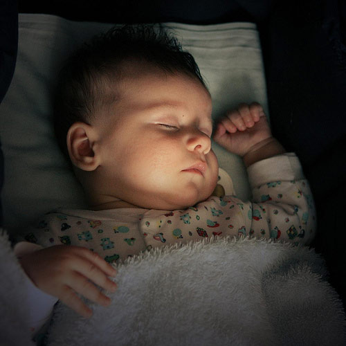 Cách dỗ trẻ sơ sinh ngủ nhanh và sâu giấc-4