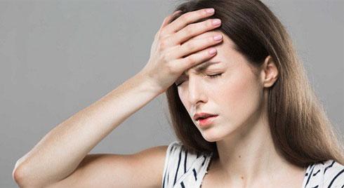 """Nguyên nhân khiến bạn thường xuyên đau đầu trong ngày """"đèn đỏ"""" và cách khắc phục"""