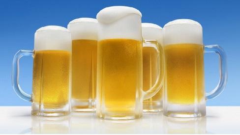 Dùng bia để gội đầu, điều bất ngờ sẽ đến chỉ sau một tuần