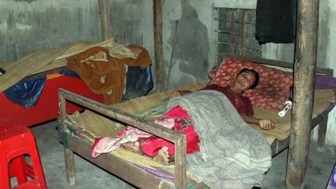Xót xa người cựu binh Thành cổ Quảng Trị kiệt sức vì nuôi con ung thư, hai cháu mồ côi