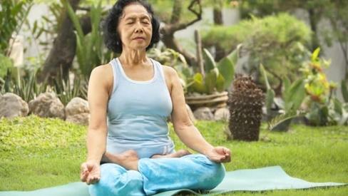 5 bài tập giúp bạn giảm run chân tay hiệu quả