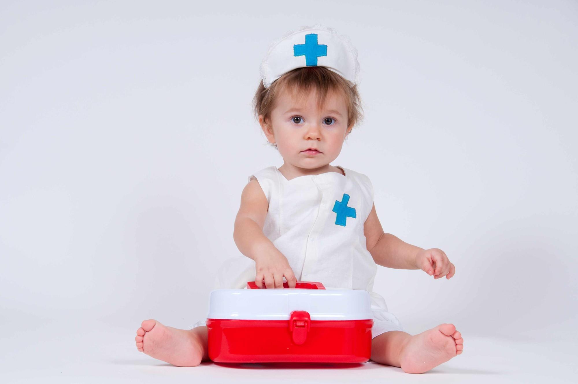 Bé 2 tuổi bị sùi mào gà, 4 tháng tuổi bị bệnh lậu... nguyên nhân do chính thói quen của người lớn vẫn chăm sóc bé hàng ngày-1