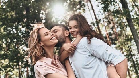 6 bí quyết giúp mối quan hệ gia đình đầm ấm hơn