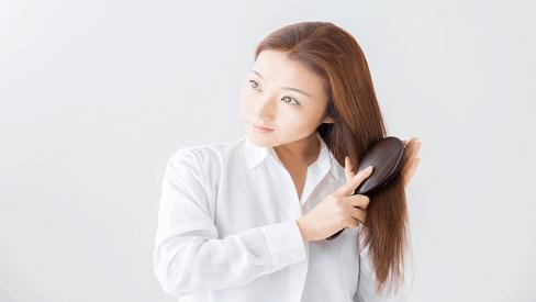 Đi tìm nguyên nhân khiến mẹ bầu dễ rụng tóc khi mang thai