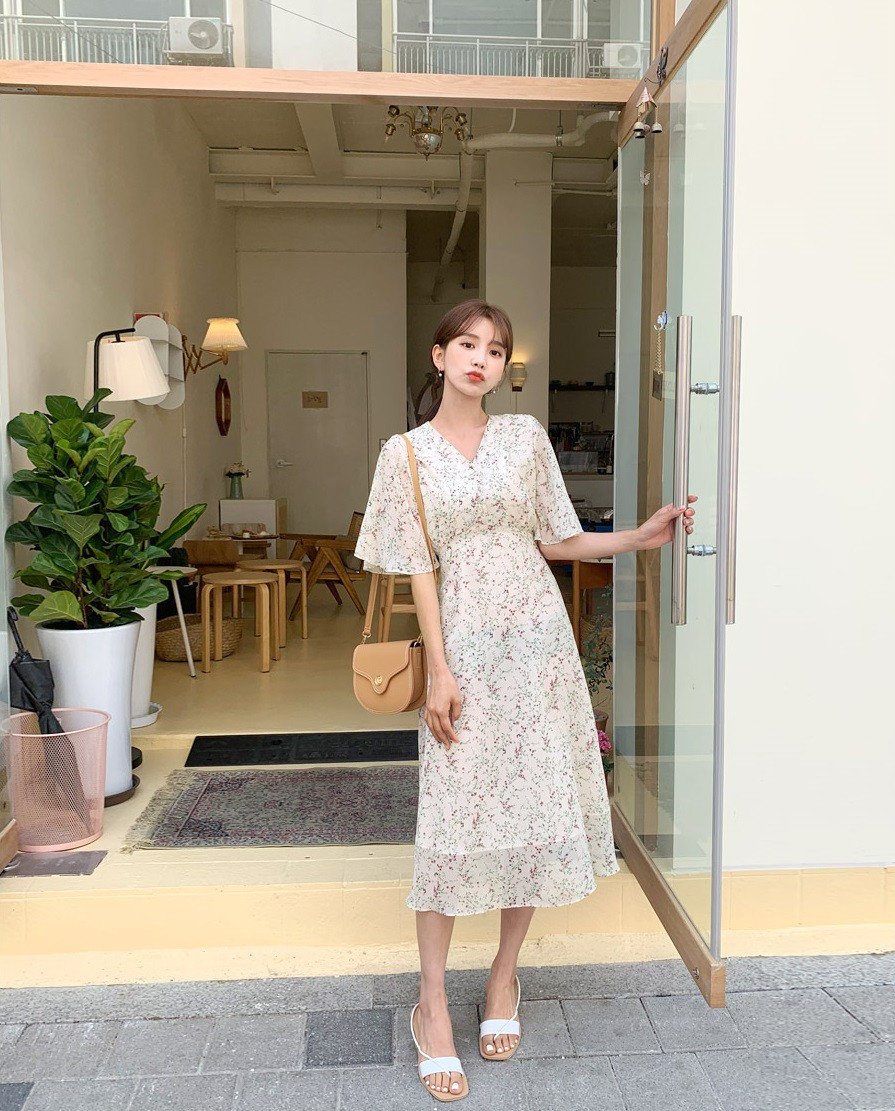 Váy hoa - item phủ sóng dày đặc mỗi mùa hè và 3 kiểu xinh đến nỗi bạn muốn rinh về hết cho tủ đồ-6