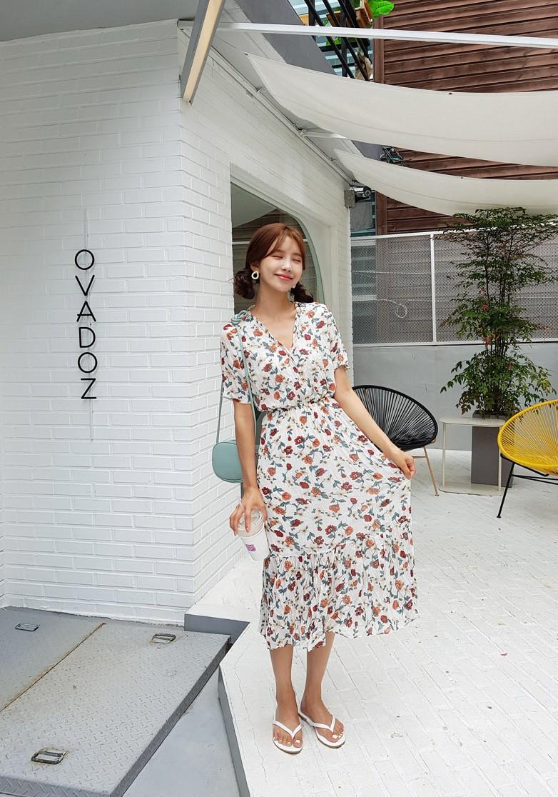 Váy hoa - item phủ sóng dày đặc mỗi mùa hè và 3 kiểu xinh đến nỗi bạn muốn rinh về hết cho tủ đồ-8