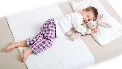 Mẹ trẻ hô biến đệm mát như điều hòa, giảm nhiệt 50% nhờ mẹo nhỏ ít ai biết