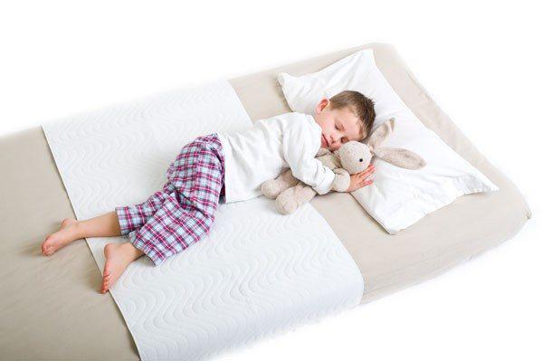 Mẹ trẻ hô biến đệm mát như điều hòa, giảm nhiệt 50% nhờ mẹo nhỏ ít ai biết-1