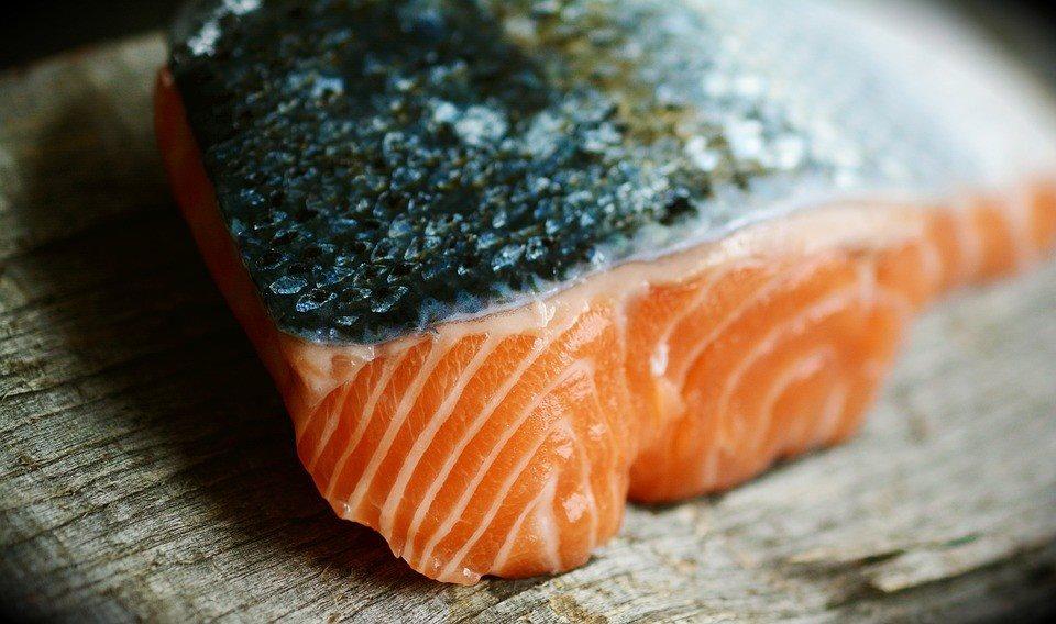 5 thực phẩm dưỡng ẩm tốt cho da, ngừa bong tróc-1