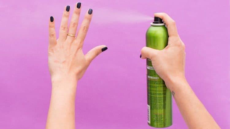 15 bí quyết giúp bạn tận dụng chai xịt tóc-11