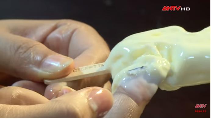 Kinh hãi quy trình sản xuất kem siêu bẩn tại Hà Nội: Coi chừng nhiễm melamin, ngộ độc vì chuộng ăn kem vị lạ giá rẻ!-5