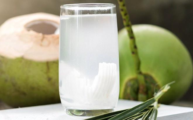 """Uống nước dừa vào mùa hè: Đừng quên những lưu ý đắt giá"""" từ chuyên gia để vừa khỏe vừa đẹp-2"""