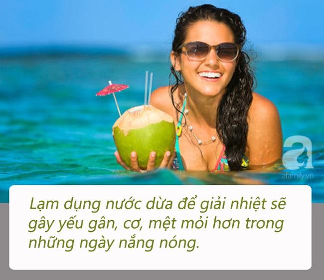 """Uống nước dừa vào mùa hè: Đừng quên những lưu ý đắt giá"""" từ chuyên gia để vừa khỏe vừa đẹp-1"""
