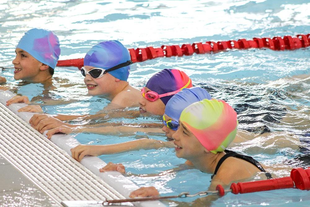Cho trẻ học bơi từ sớm: không chỉ giúp thân thể khoẻ mạnh mà còn là kỹ năng sống còn quan trọng-3