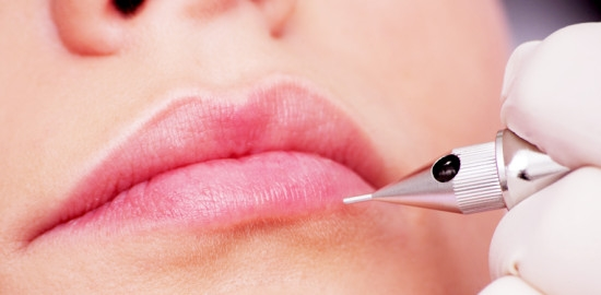 Cách chăm sóc môi sau khi phẫu thuật-1